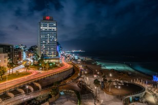 gordon-beach-night-sky-tel-aviv