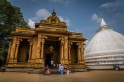 kelaniya-temple-sri-lanka