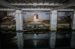 reflections-old-building-kandy-sri-lanka