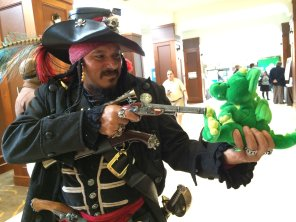 ARRRRRR! This pirate wasn't having any of Windsor's grumpiness.