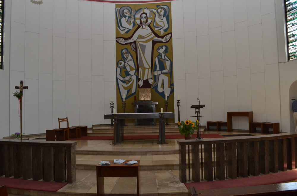 Herz Jesu Reinbek Altarraum