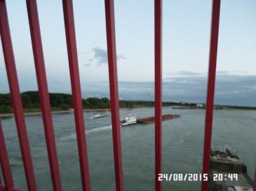 Rhien-floden-gennem-tremmer