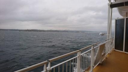 Færgen sejler ud af Larvik Havn (3)