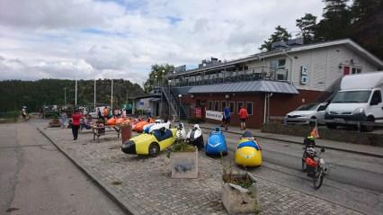 Velomobiler på række ved Svinesund