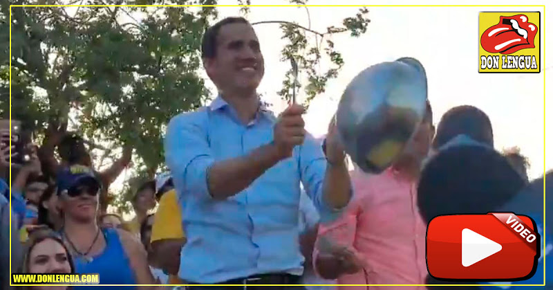 Guaidó tocando cacerolas contra el régimen de Maduro