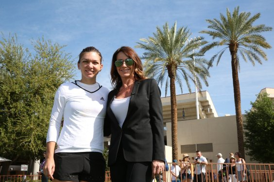 """""""Nadia Comaneci meets Simona Halep at the Indian Wells Tennis Garden in Indian Wells, California on Wednesday, March 18, 2015."""""""