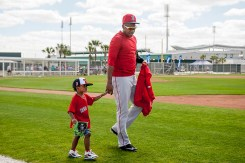 FT. MYERS, FL - FEBRUARY 21: Roenis Elias #29 of the Boston Red Sox walks with his son during a workout on February 21, 2016 at Fenway South in Fort Myers, Florida . (Photo by Billie Weiss/Boston Red Sox/Getty Images) *** Local Caption ***