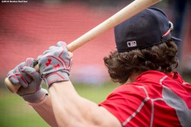 BOSTON, MA - SEPTEMBER 14: Andrew Benintendi #40 of the Boston Red Sox takes batting practice before a game against the Baltimore Orioles on September 14, 2016 at Fenway Park in Boston, Massachusetts. (Photo by Billie Weiss/Boston Red Sox/Getty Images) *** Local Caption *** Andrew Benintendi