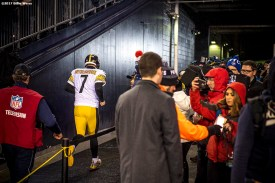 January 22, 2017, Foxboro, MA: Pittsburgh Steelers quarterback Ben Roethlisberger runs off the field after losing the AFC Championship Game against the New England Patriots at Gillette Stadium in Foxboro, Massachusetts Sunday, January 22, 2017. (Photo by Billie Weiss)