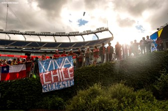 FOXBOROUGH, MASSACHUSETTS - JUNE 10: Fans cheer before a group D match between Chile and Bolivia at Gillette Stadium as part of Copa America Centenario US 2016 on June 10, 2016 in Foxborough, Massachusetts, US. (Photo by Billie Weiss/LatinContent/Getty Images) *** Local Caption ***