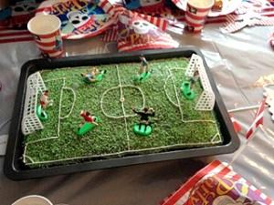 fodbold-kage-boernefoedslesdag