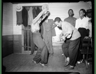 Charles Teenie Harris, Dancing, c. 1938-1945