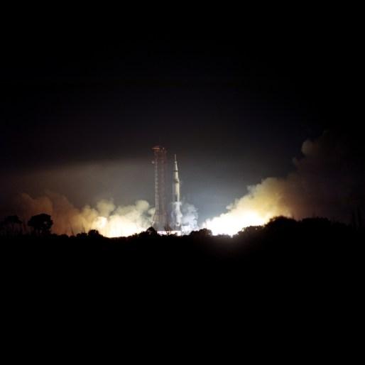 Apollo 17 ignition-small