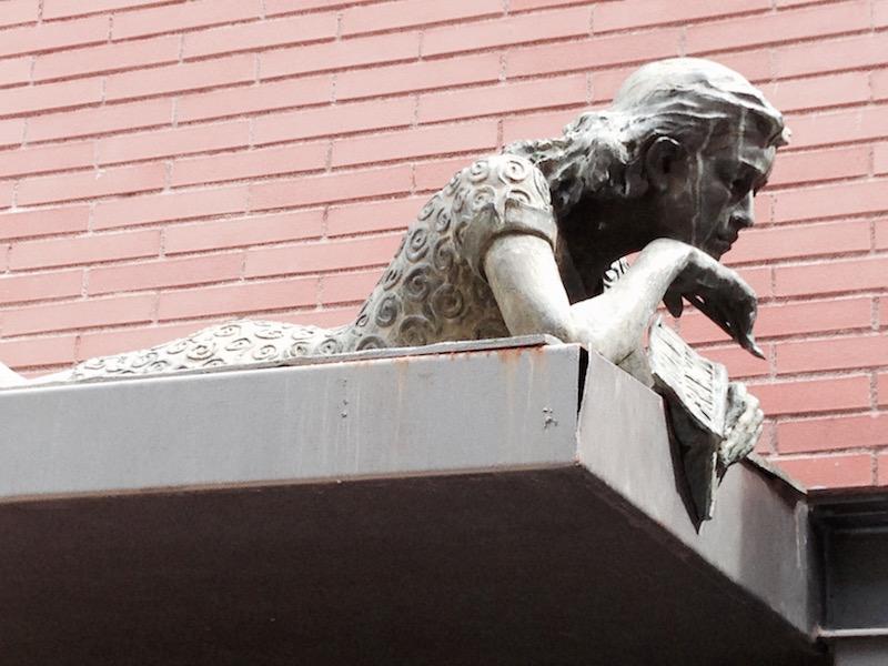 Sculpture of Anne Frank in Gràcia, Barcelona, by Bill Sinclair.