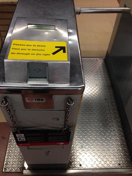 TMB, Barcelona metro turnstile