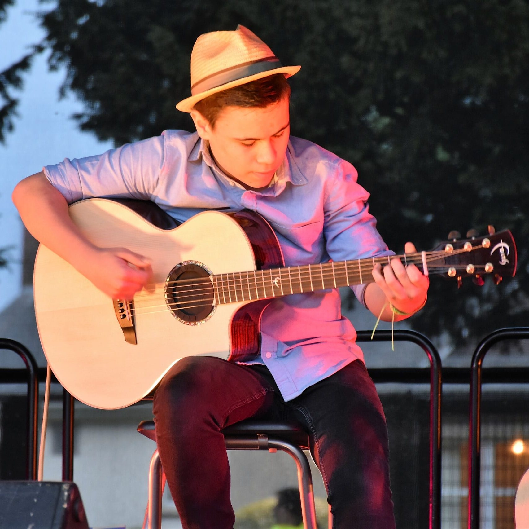 Billy Watman – Classical and Fingerstyle Guitarist