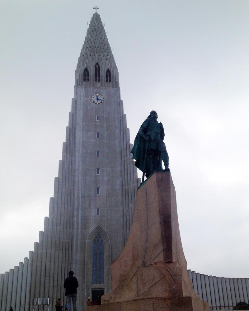Hallgrímskirkja with Leifur Eiriksson's statue