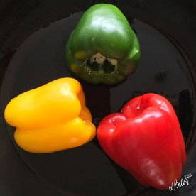 Place the peppers on preheated pan with oil