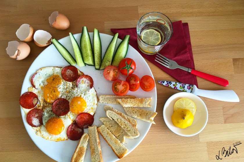 Egg_recipe_fried-eggs-1
