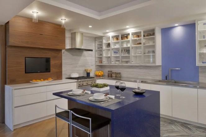 White & Walnut Contemporary Kitchen
