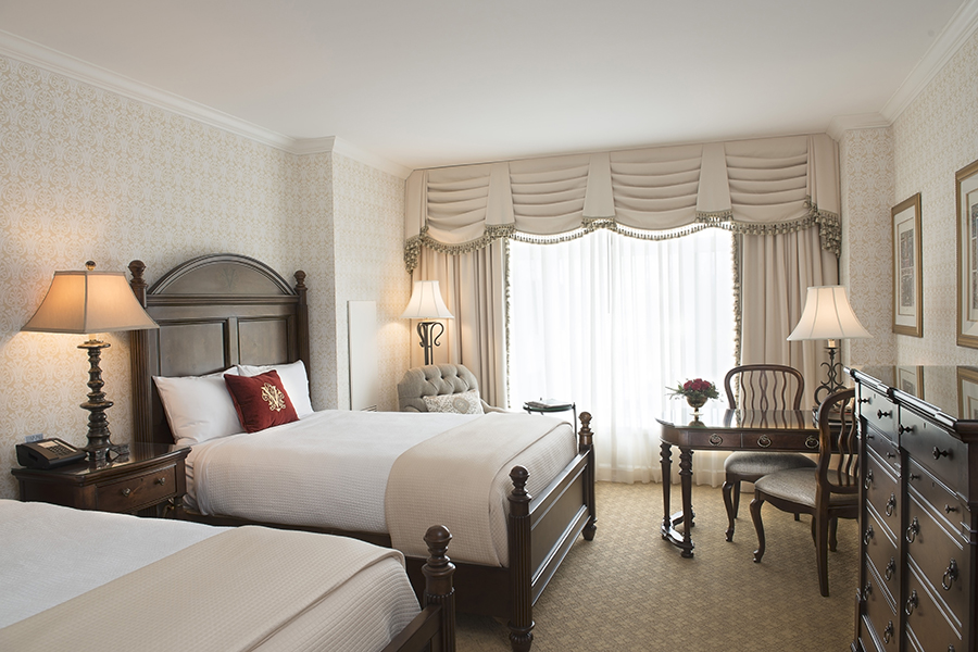 how many bedrooms are in the biltmore house  wwwindiepediaorg