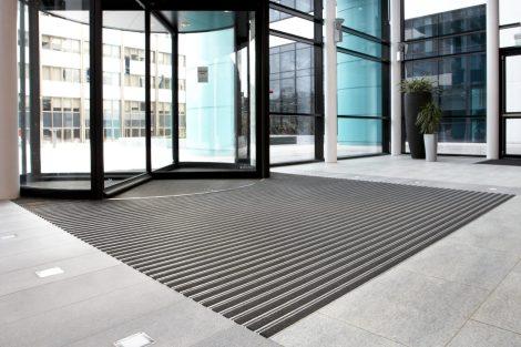 bimade-instalacion-pavimentos-ligeros-barrera-antisuciedad-1