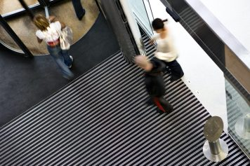 bimade-instalacion-pavimentos-ligeros-barrera-antisuciedad-11