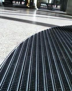 bimade-instalacion-pavimentos-ligeros-barrera-antisuciedad-4