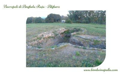 visita alla necropoli di Anghelu Ruju ad Alghero