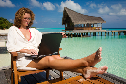 woman-making-money-online