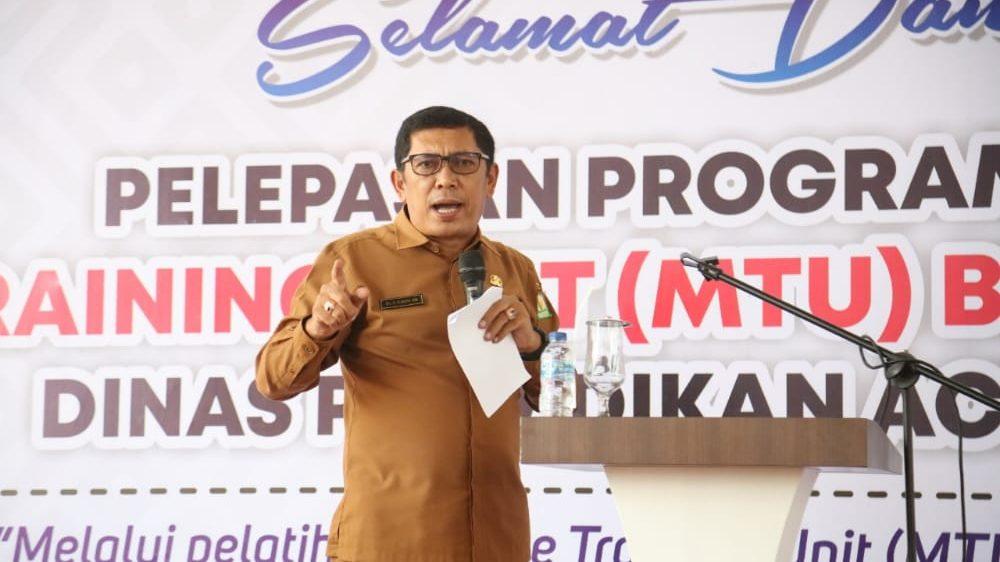 Kadis Pendidikan Aceh Lepas 3 MTU ke 30 SMK Di Aceh