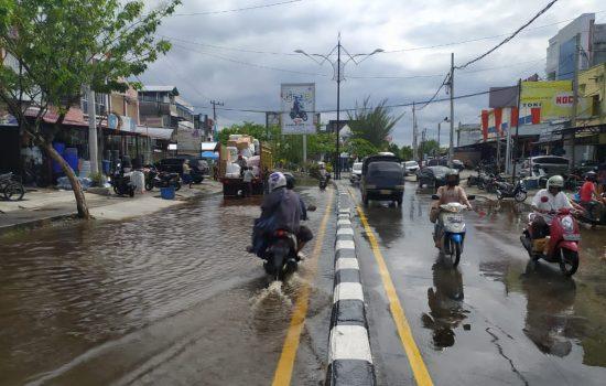Warga Kota Meulaboh Minta Pemerintah Serius Urus Banjir Genangan