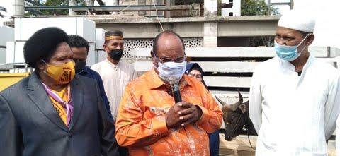 Serahkan 30 Ekor Sapi, Walikota ini berjanji tahun depan 140 Ekor