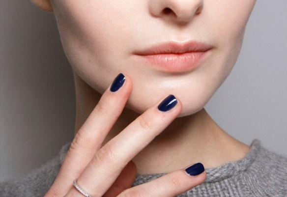 Nagellak trends: donkerblauw