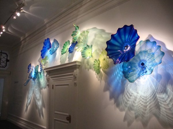 Glass Blown Chihuly And Halcyon