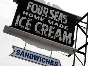 Four Seas Ice Cream, Barnstable (Centerville), Cape Cod