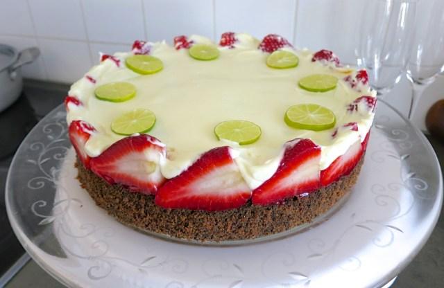 Mohn-Erdbeer-Mascarpone-Topfentorte