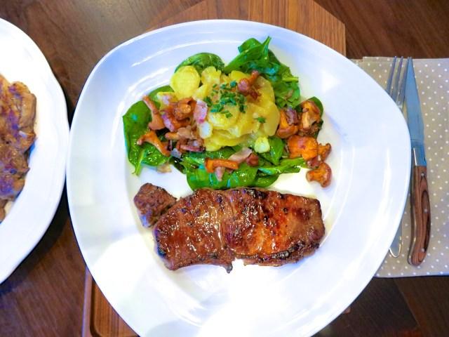 Steaks mit Salat und Eierschwammerl – 04