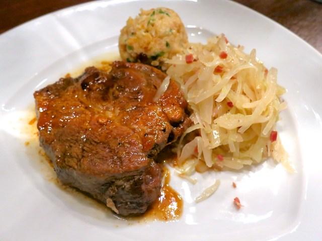Schweinsbraten mit Krautsalat – 17