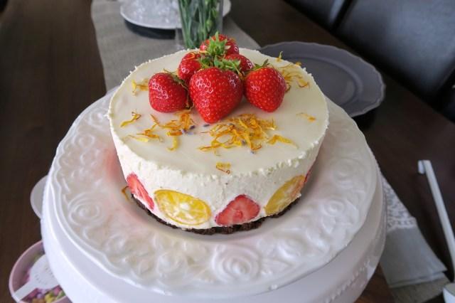 Panna cotta Torte mit Erdbeeren – 09