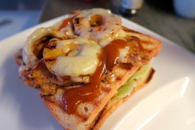 Club Sandwich mit Huhn, Ananas und Speck – 15