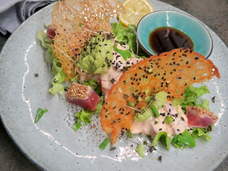 Tuna Tatar mit Chilimayonnaise