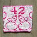 carré couverture 42 Voyageur galactique au tricot