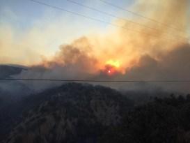Bingöl'de 2 ormanlık alanda yangın kontrol altına alındı, 1 alanda devam ediyor