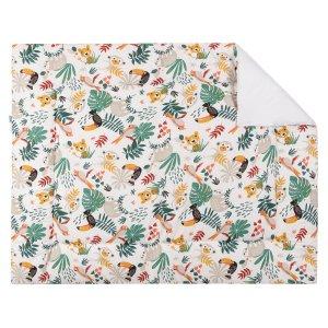 BINK Bedding boxkleed Zoë 80x100 cm met kleurrijke toekans, luiaards, tijgers, apen, pagegaaien en bladeren op een witte ondergrond.