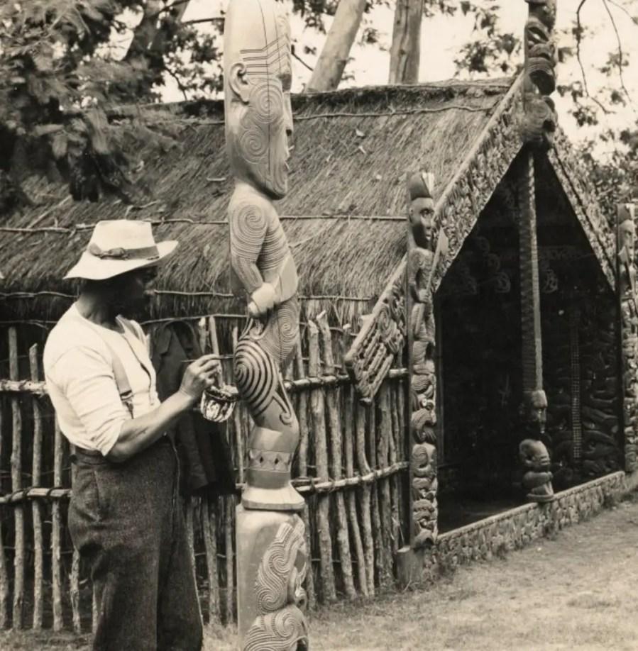 Tiki aus Holz, Whakarewarewa, Neuseeland, 1905