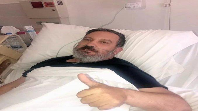 """صورة جديدة للشاعر والإعلامي زاهي وهبي من المستشفى...""""يتماثل للشفاء"""""""