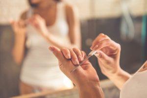 爪が老化する原因と対処法