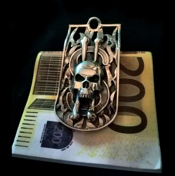 The Demond Astaroth Skull Money Clip. All photographs are credited to Anna Lunina of Alive Steel.