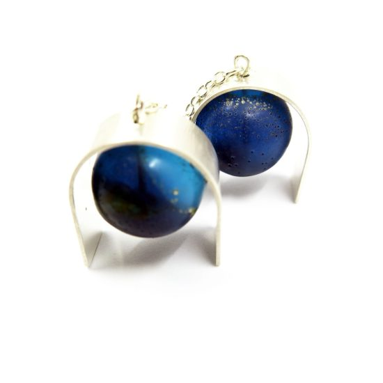 Curvier Earrings – Blue